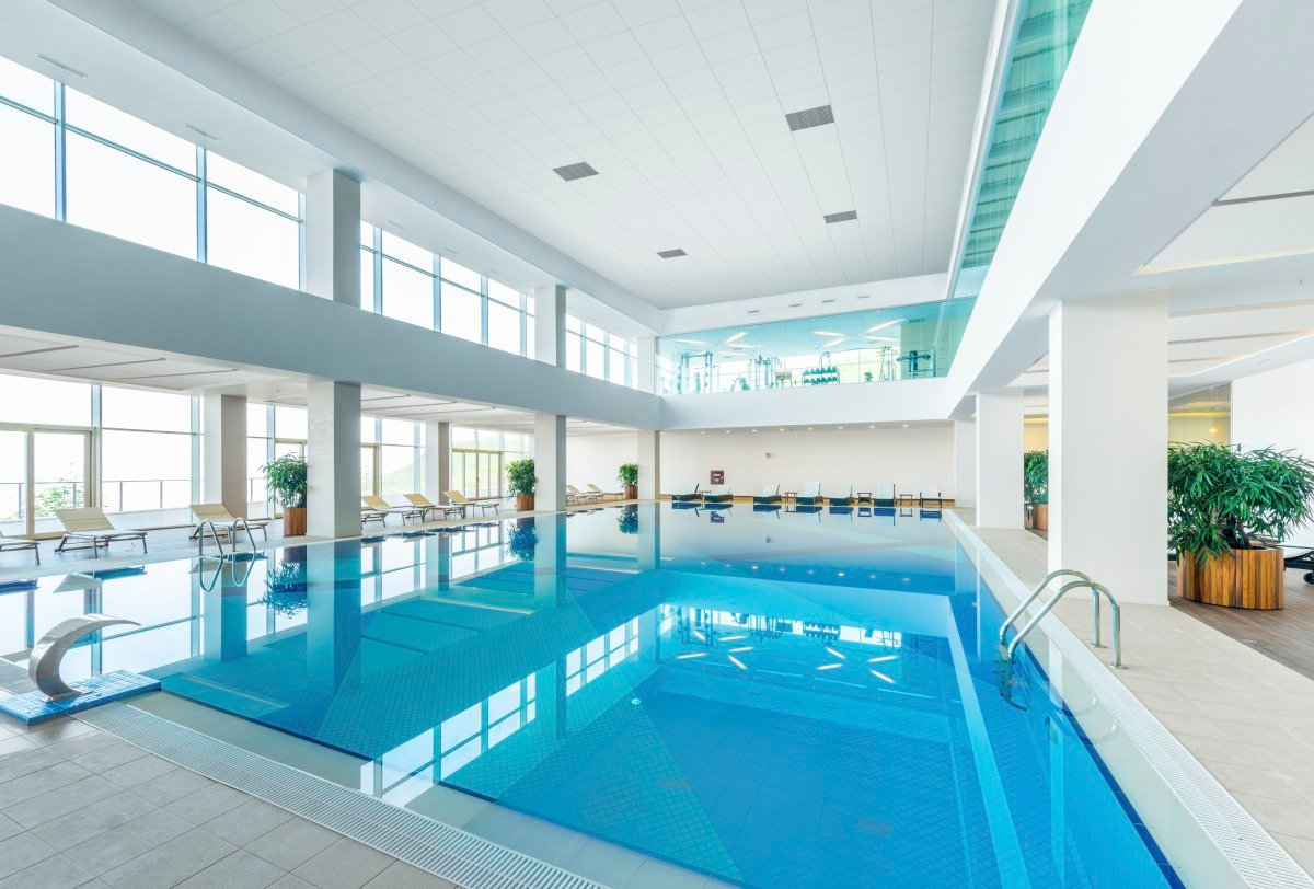 Acoustic solutions for swimming pools